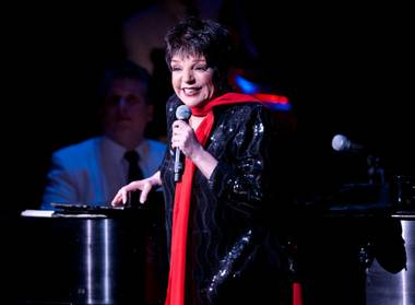 Entertainment legend Liza Minnelli had fans screaming for more at the end of her 90-minute knockout concert at the Las Vegas Hilton last ...