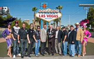 Former Mayor Oscar Goodman welcomes IndyCar to Las Vegas at the Welcome to Fabulous Las Vegas sign on Oct. 11, 2011.