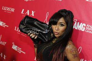 Snooki Celebrates 24th Birthday at LAX