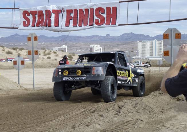 Start of the Trophy Truck race