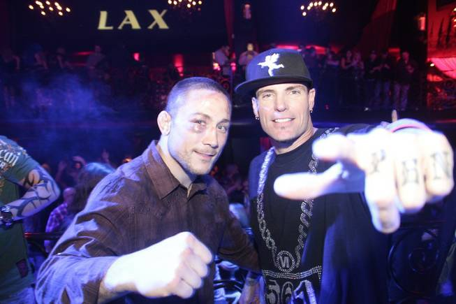 Vanilla Ice hosts and performs at LAX in the Luxor ...