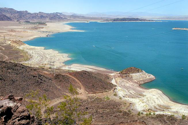 A view of Lake Mead from an overlook Saturday, June 29, 2002. Projections for the end of June have the lake level at a 30-year low and long-range forecasts suggest the lake could drop 50 feet more by next April. STEVE MARCUS / LAS VEGAS SUN
