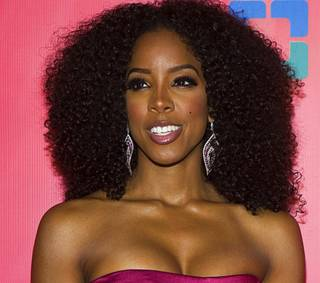 Singer Kelly Rowland arrives for the 16th annual Keep Memory Alive