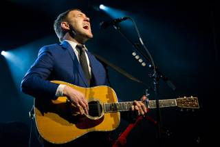 David Gray performs in the Cosmopolitan's Chelsea Ballroom on Friday, Feb. 24, 2012.