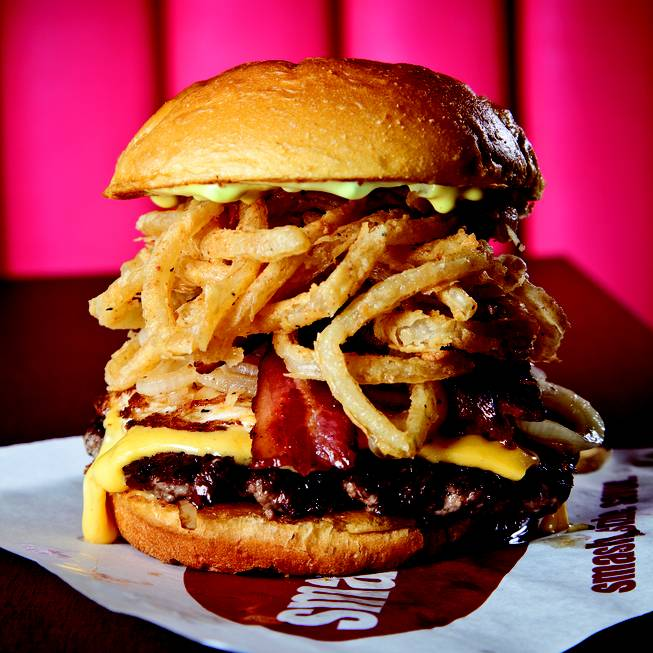 The burger that would challenge In-N-Out's total domination: Smashburger.
