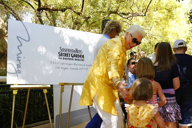 Lynette Chappell, executive coordinator for Siegfried & Roy, ushers children ...