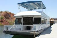 Floatel for rent at Echo Bay Marina on Lake Mead.
