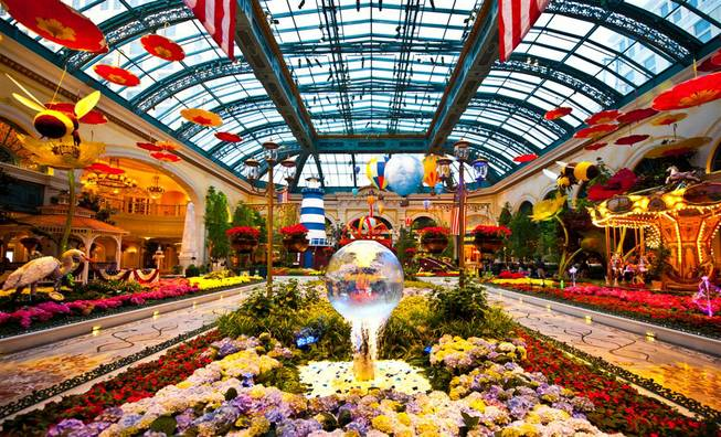The Bellagio Conservatory and Gardens' East Coast summer-inspired exhibit photographed ...