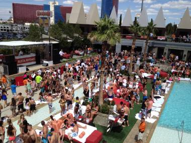 After a decades of drawing thousands to MTV Spring Break and the popular Ditch Fridays day parties, the Palms Pool & Bungalows have a new look through a recent $600,000 renovation.
