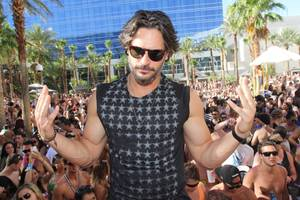 Joe Manganiello Parties at Rehab, the Bank