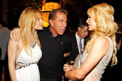 Andrea Wynn, Steve Wynn and Paris Hilton at the grand-opening ...