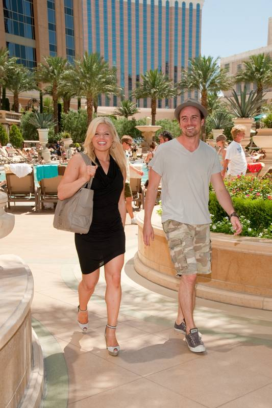 Megan Hilty and her boyfriend Brian at Azure Luxury Pool in the Palazzo.