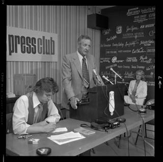 Sheriff Ralph Lamb speaks to members of the Las Vegas Press Club, August 1978.