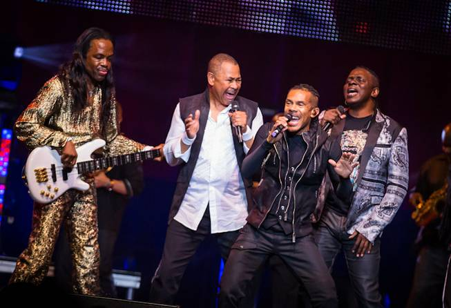 Earth Wind & Fire performs at the Joint in the ...