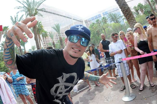 Vanilla Ice at the Flamingo's Go Pool and Harrah's Carnaval ...