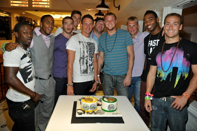 Ryan Lochte celebrates his belated 28th birthday with fellow Olympians ...