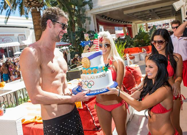 Michael Phelps and David Guetta at Encore Beach Club on ...