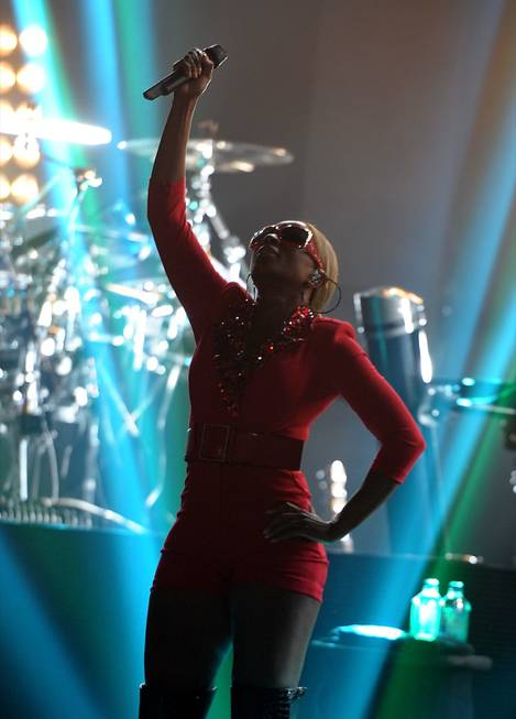 Mary J. Blige performs at the Pearl in the Palms ...