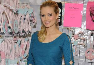 Holly Madison's Second Day at SuperZoo