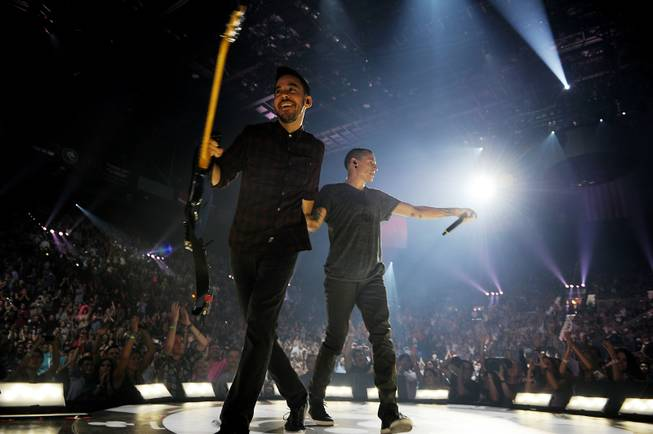 Mike Shinoda and Chester Bennington perform during Night 2 of ...
