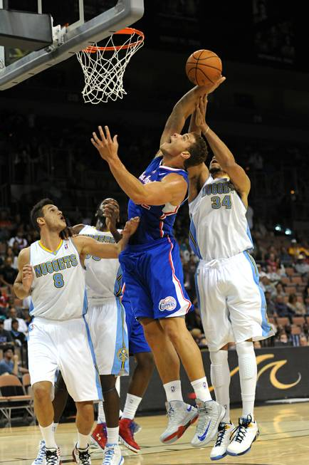 Los Angeles Clippers power forward Blake Griffin goes up for ...