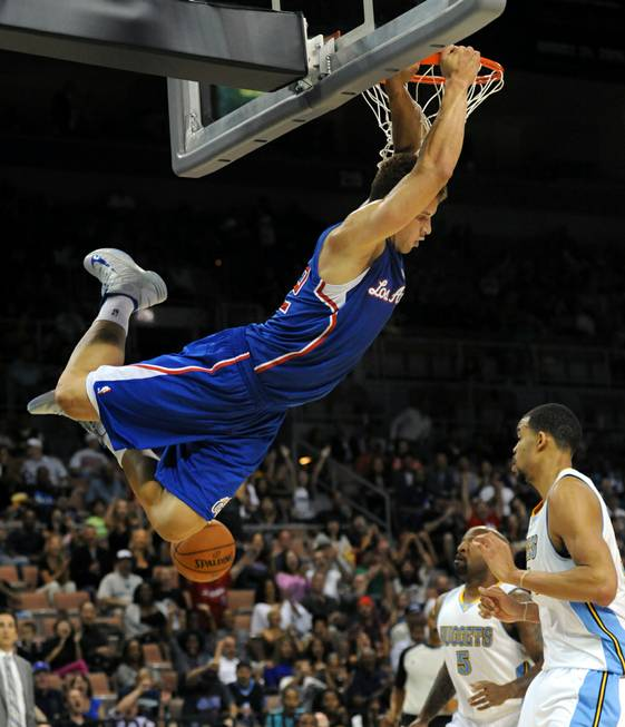 Los Angeles Clippers power forward Blake Griffin slam dunks against ...