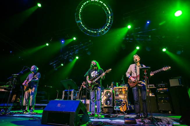 Furthur, featuring Bob Weir, Phil Lesh, John Kadlecik, Jeff Chimenti, ...
