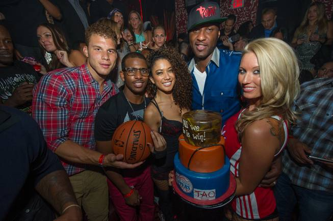Chris Paul of the Los Angeles Clippers, second from right ...