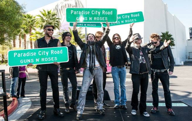 GN'R to play 12 shows in Las Vegas - Page 2 6_t653