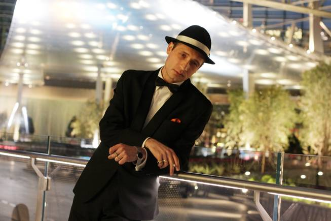 "David DeCosta plays Frank Sinatra in ""Sandy Hackett's Rat Pack"" at the Las Vegas Hotel (LVH) and on tour across the U.S."