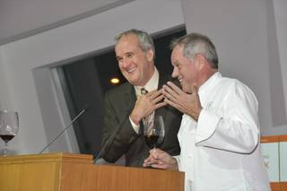 Chef Wolfgang Puck, right, with Larry Ruvo, launches four wines to benefit Keep Memory Alive.