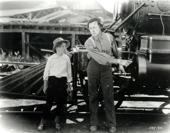 Jack Hanlon and Buster Keaton in The General (1926).