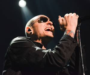 Stone Temple Pilots With Chester Bennington at the Joint