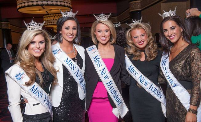 The 2013 Miss America Pageant contestants arrive at Planet Hollywood ...