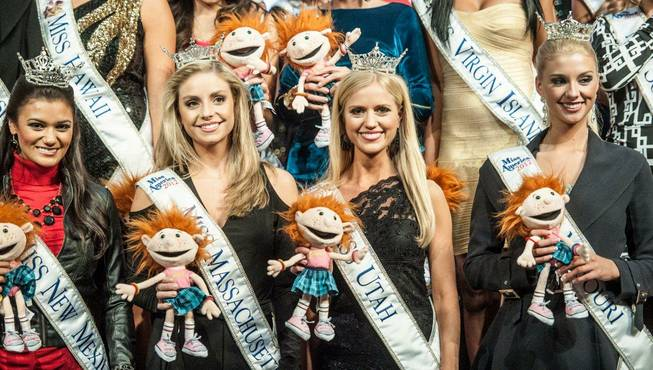 The 2013 Miss America Pageant contestants attend Terry Fator's headliner ...