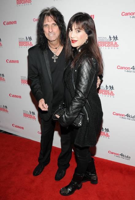 Alice Cooper and Sheryl Goddard arrive at the red carpet ...