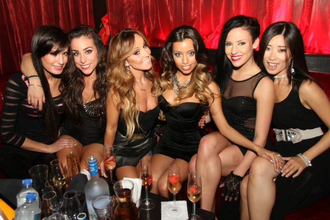 Lupe Fuentes and The Ex-Girlfriends at LAX in the Luxor.