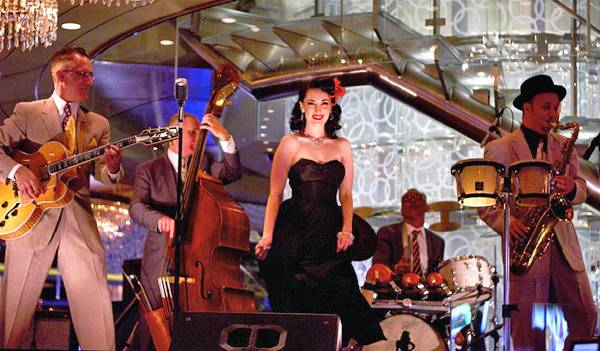 The Jennifer Keith Quintet performs at the Chandelier Bar at the Cosmopolitan.