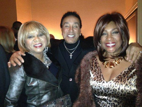 Deniece Williams, Smokey Robinson and Mary Wilson backstage at Human ...