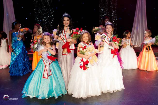 2013 Little Miss Alexa Gould, 2013 Teen Gabby Andrade, 2013 Young Miss Kendall Bear and 2013 Pre-Teen Dani Lyons.