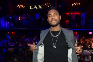 Miguel Hosts and Performs at LAX