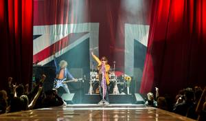 Def Leppard Launches 'Viva Hysteria' at The Joint
