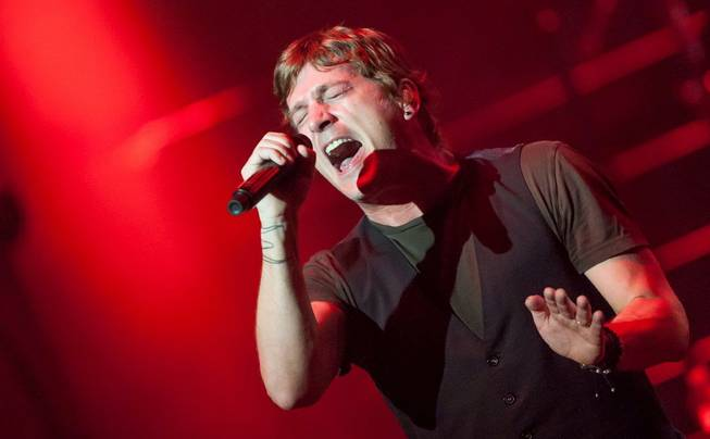 Matchbox Twenty, with frontman Rob Thomas, at Pearl at the ...