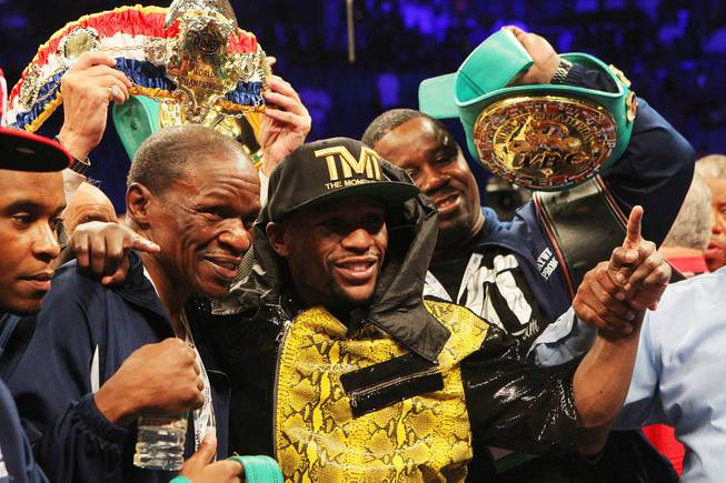 Mayweather Defeats Guerrero by Unanimous Decision