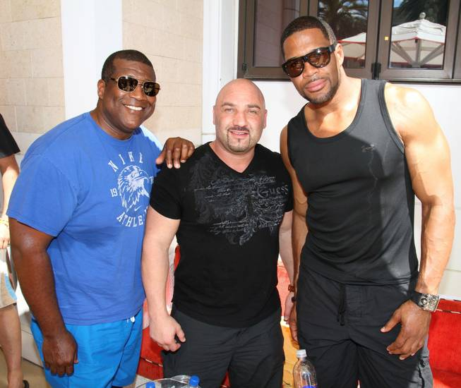 Curt Menefee, Jay Glazer and Michael Strahan at Encore Beach ...