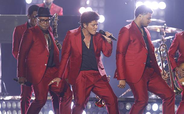 Singer Bruno Mars, center, performs during the 2013 Billboard Music Awards at MGM Grand Garden Arena on Sunday, May 19, 2013.
