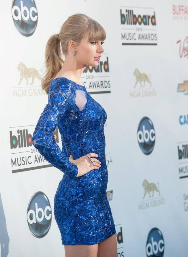 Taylor Swift arrives at the 2013 Billboard Music Awards at MGM Grand Garden Arena on Sunday, May 19, 2013.