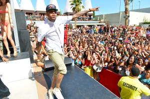 2013MDW: Chris Brown at Palms Pool