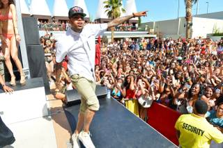Chris Brown performs at Palms Pool on Sunday, May 26, 2013.