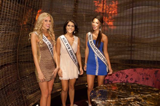 Miss Oklahoma USA 2013, Makenzie Muse; Miss New Hampshire USA ...